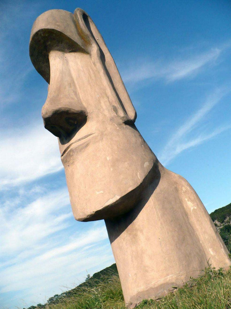 Садовые фигуры своими руками : статуи острова Пасхи на вашем участке!